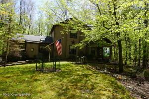 1162 Ranger Trl, Pocono Lake, PA 18347