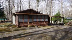 113 Beech Ln, Pocono Lake, PA 18347