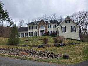 113 Rising Meadow Way, East Stroudsburg, PA 18302