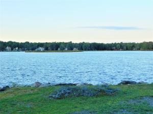 462 Lakeside DR, Tobyhanna, PA 18466