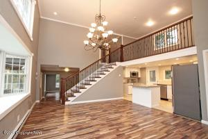 175 Lower Valley Dr, Kunkletown, PA 18058