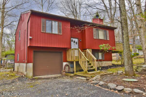 749 Clubhouse Drive, East Stroudsburg, PA 18302