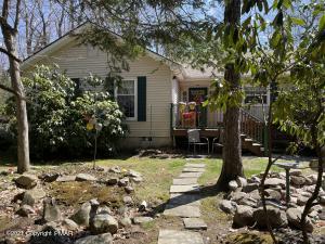 5151 Goose Pond Rd, Tobyhanna, PA 18466