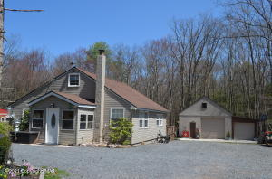 29 Hickory Hills Dr, White Haven, PA 18661