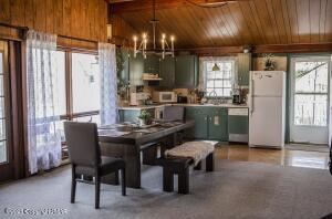 206 Alpine Lake Rd, Henryville, PA 18332