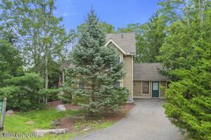 150 Upper Deer Valley Rd, Tannersville, PA 18372