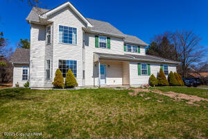 122 Sioux Dr, Albrightsville, PA 18210