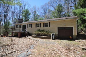 60 Pine Run Cir, Lehighton, PA 18235