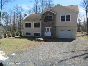 115 Lehman Rd, Bushkill, PA 18324