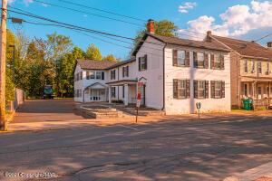 727 Ann St, Stroudsburg, PA 18360