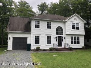 1742 Rolling Hills Dr, Tobyhanna, PA 18466