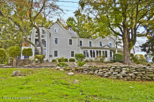 2735 Route 390, Canadensis, PA 18325