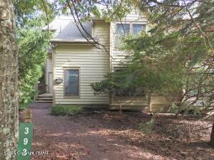 393 Vista Dr, Tannersville, PA 18372