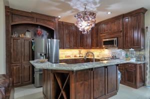 Luxury Kitchen, Shell Lamp. Puerto Peñasco Mexico, propiedades, casas. #RockyPoint #Homes #puertopenasco #Mexico #properties