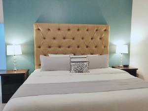 CDS 1303 - Master Bedroom