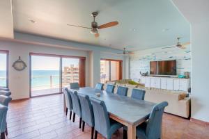 1502 Coronado Dining Room