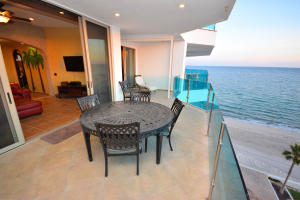 Beachfront Furnished Balcony