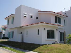 esq Coapinole y Huanacaxtle, Casa Ficus, Riviera Nayarit, NA