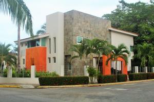 01 Retorno de las Bugambilias, Casa Framboyanes, Riviera Nayarit, NA