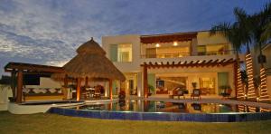 139 Pelicanos St., Villa Phuket, Puerto Vallarta, JA