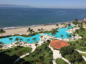 625 Paseo de la Marina PH-E1304, Bay View Grand, Puerto Vallarta, JA