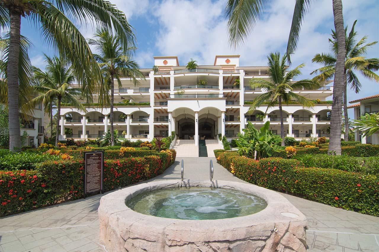 Grand Marina Villas 1208