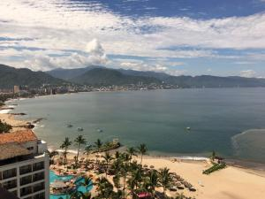 2477 Blvd.Francisco Medina Ascencio 1403-1000, Grand Venetian, Puerto Vallarta, JA