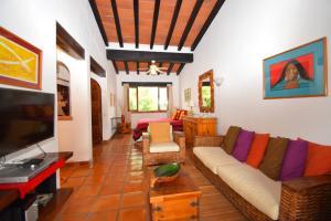 203 Francisca Rodriguez Safari 12, Selva Romantica, Puerto Vallarta, JA