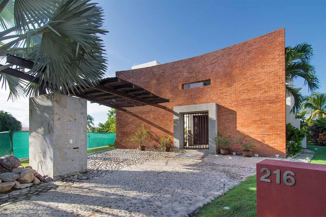 Villa Tucanes 216