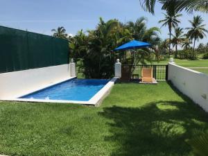 7.5 km Carretera Aeopuerto, Casa Leah, Puerto Vallarta, JA