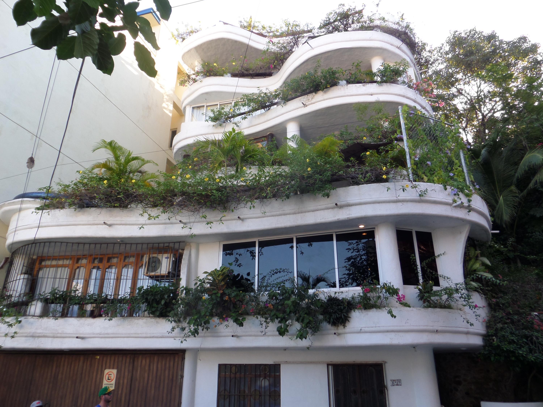 Villa Blanca PH