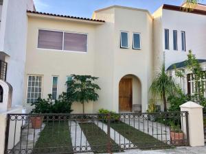 187 lago superior, Casa Fluviales, Puerto Vallarta, JA