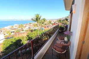 325 CORONA 5, Villas Quinta Luna, Puerto Vallarta, JA