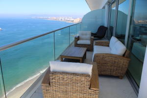 2485 Francisco Medina Ascencio Blvd 17 A, Peninsula Tower III-17-A, Puerto Vallarta, JA