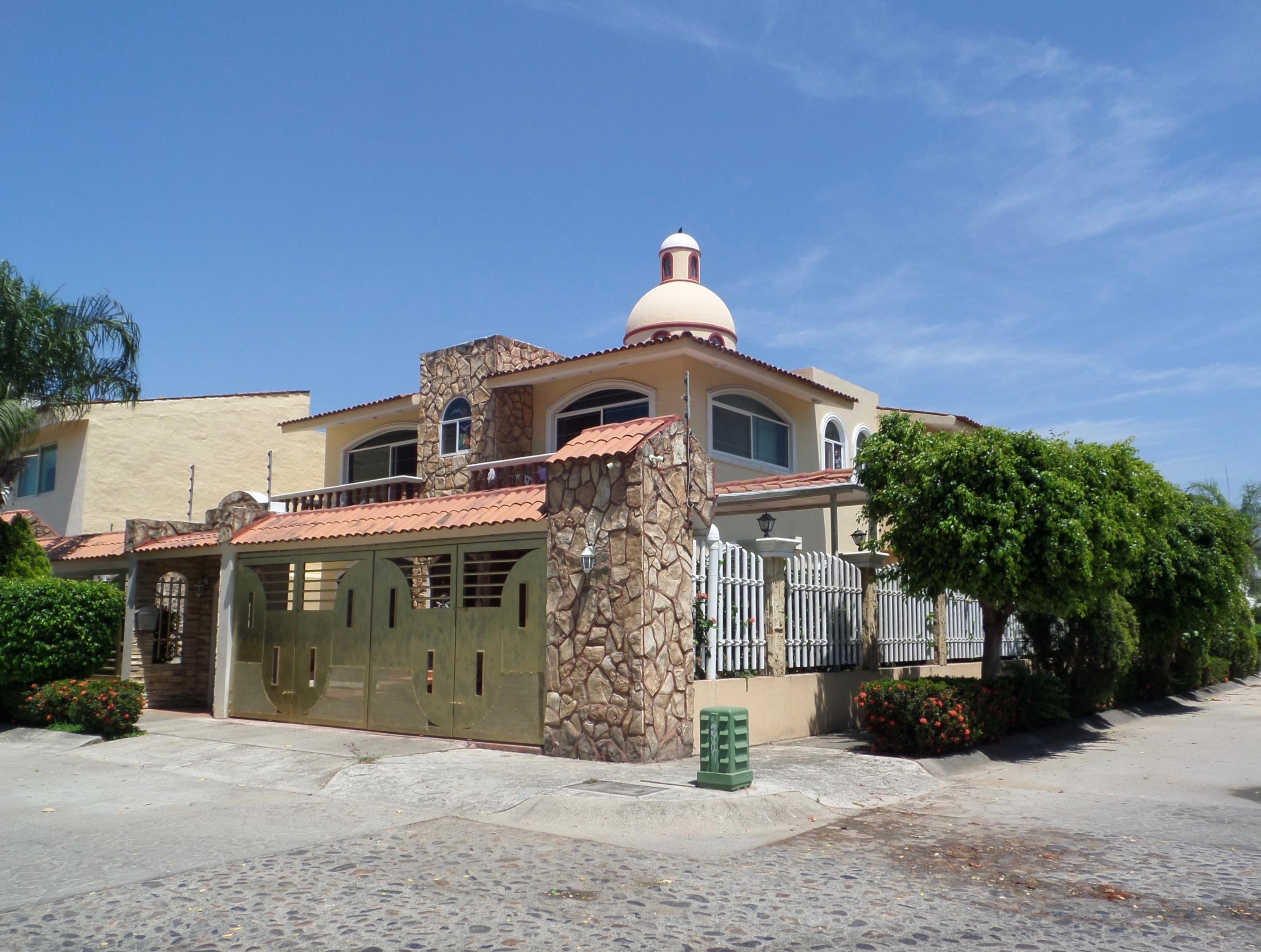 Villa Vitrales