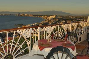 110 Josefa Ortiz de Dominguez s/n, Hotel Suites la Siesta de Vta, Puerto Vallarta, JA