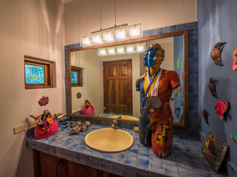 Bucerias, 5 Bedrooms Bedrooms, ,5 BathroomsBathrooms,House,For Sale,Priv. Juarez,14229