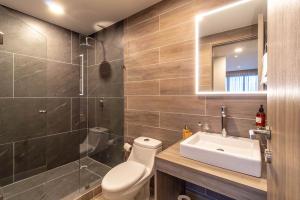 PVRPV - 8 Bathroom