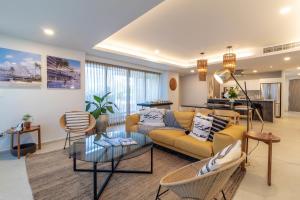 PVRPV - 5 Living Room