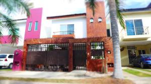 184 RIO SANTIAGO, MARGARITA, Puerto Vallarta, JA
