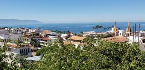 1017 CALLE BRASIL, CASA AMBOS MUNDOS, Puerto Vallarta, JA