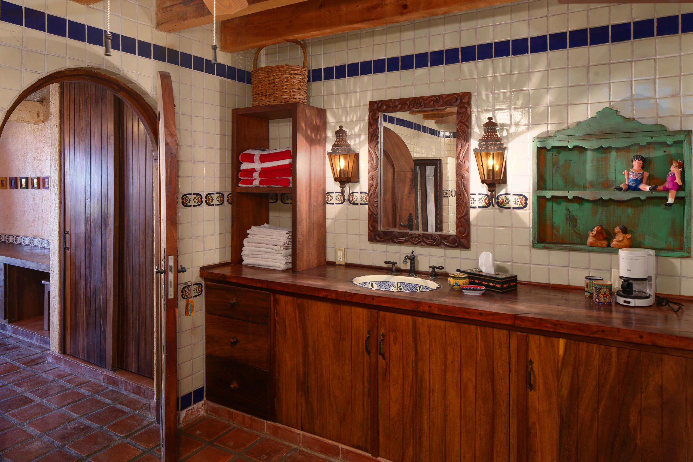 Litibu, 4 Bedrooms Bedrooms, ,5.5 BathroomsBathrooms,House,For Sale,Calle Jardin,15580