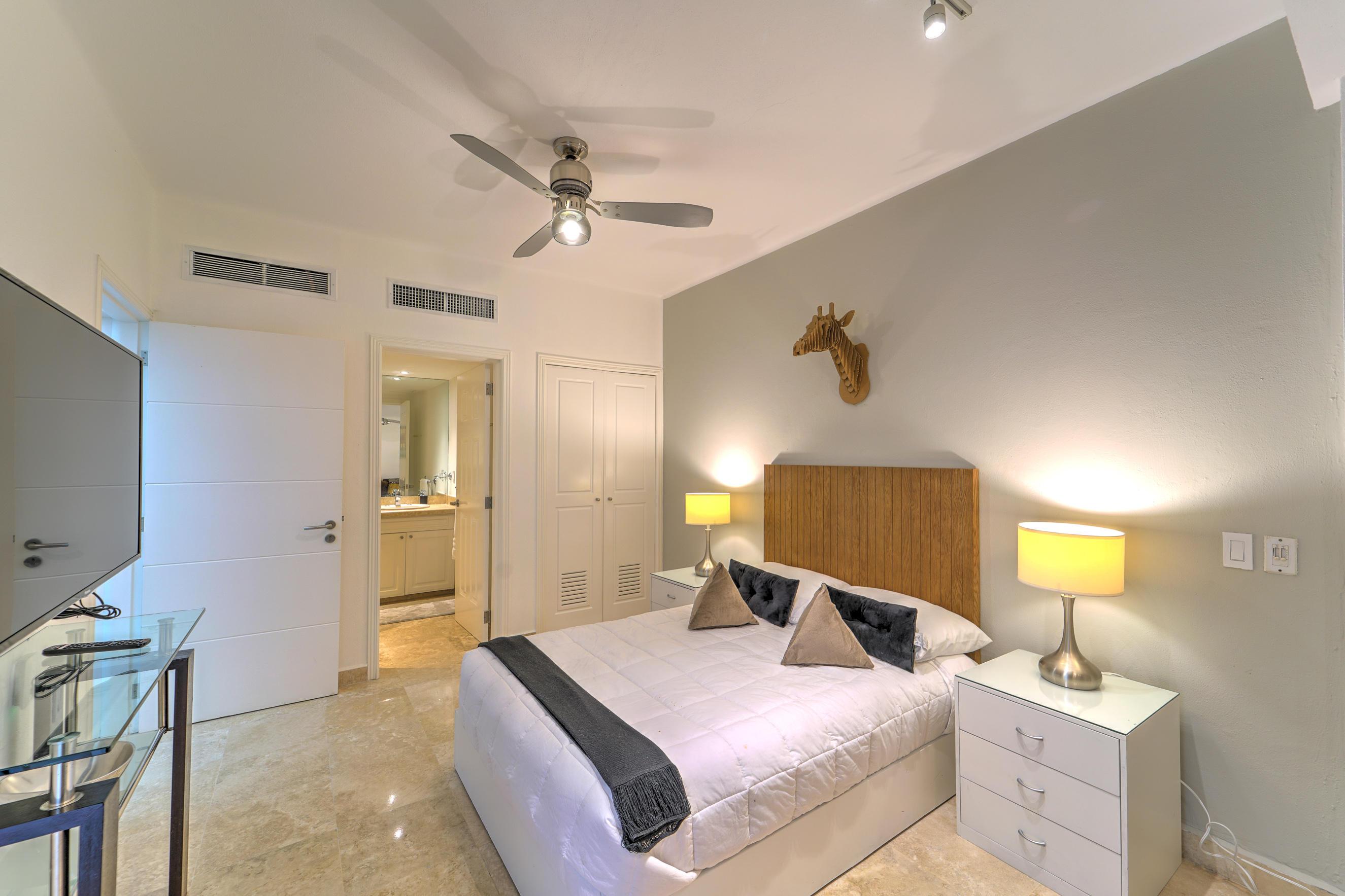 Nuevo Vallarta West, 4 Bedrooms Bedrooms, ,5.5 BathroomsBathrooms,House,For Sale,Paseo de los Cocoteros,15656