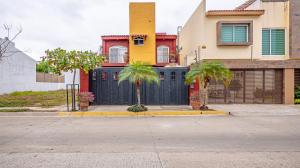 104 Grijalva, Casa Palma, Puerto Vallarta, JA