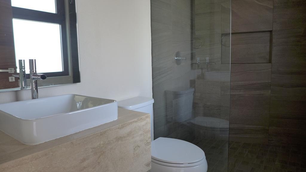 La Cruz de Huanacaxtle, 4 Bedrooms Bedrooms, ,3 BathroomsBathrooms,House,For Sale,Calle Tortugas,16056