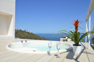 Private Hot Tub Ocean Views