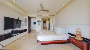 PVRPV - master bedc built in