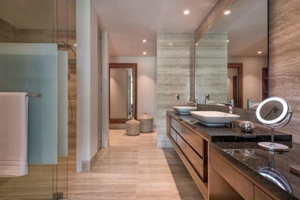 Paradise Village, 3 Bedrooms Bedrooms, ,3.5 BathroomsBathrooms,Condo,For Sale,Paseo de los Cocoteros,16539