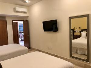 PVRPV - guest room c