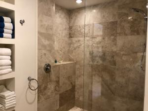 PVRPV - guest bath a